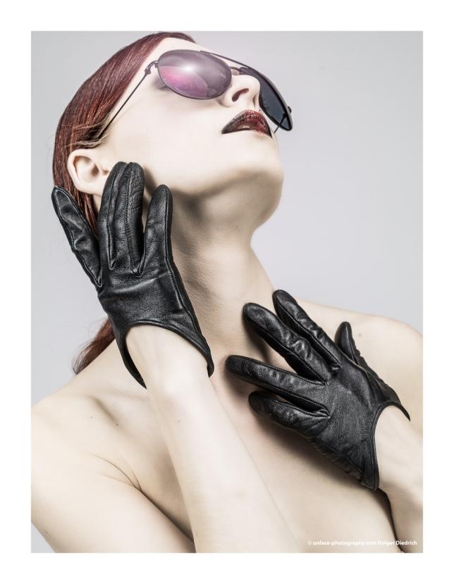 button-gloves-208-fernando-berlin